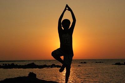 esercizi di yoga per perdere peso